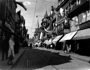 Marktstrasse, central Kaiserslautern, Germany circa late 1930s - early 1040s. Peter Turgetto photo courtesy of Medienzentrum Kaiserslutern.